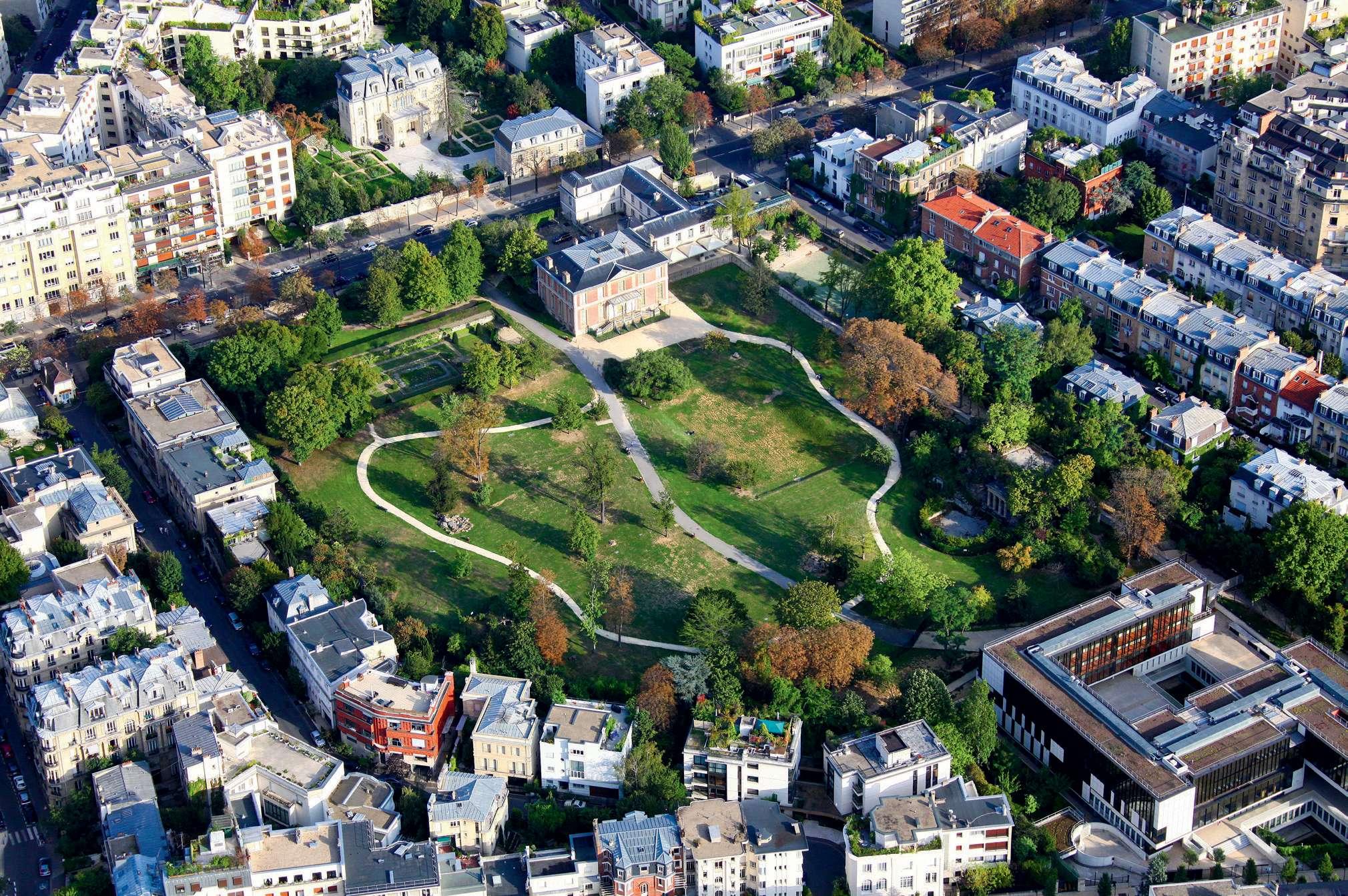 Vue aérienne d'un quartier de Neuilly/Bois de Boulogne Billancourt